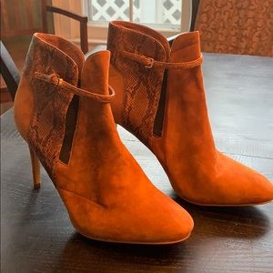 Booties ankle boots by Witchery size 9